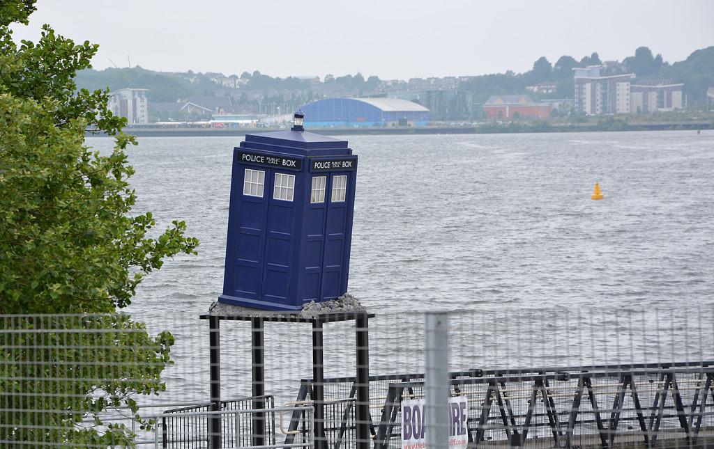Doctor Who Experience - Cardiff Bay - la cabina del Dottore, sul molo della baia