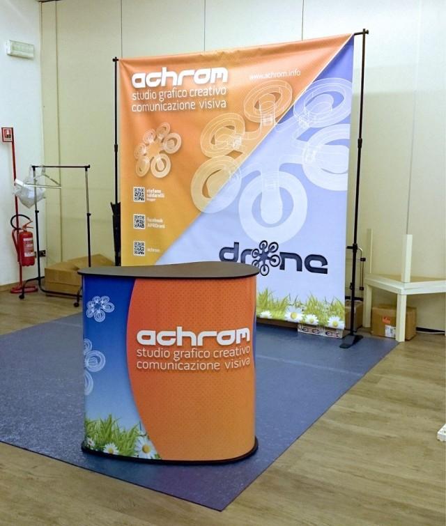 Stand Achrom il 18 dicembre alle 21, a poche ore dall'inizio della Conferenza