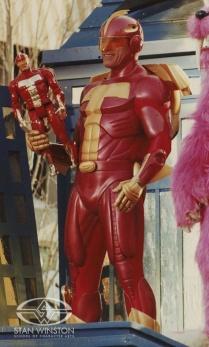 """Arnold Schwarzenegger nel ruolo di Turboman da """"Una promessa è una promessa"""""""