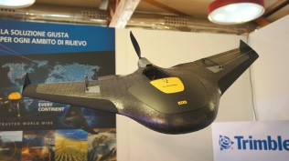 Trimble Geo Spatial - AL-TO-DRONES - Dronitaly 2015 Foto gentilmente fornita da: Quadricottero News